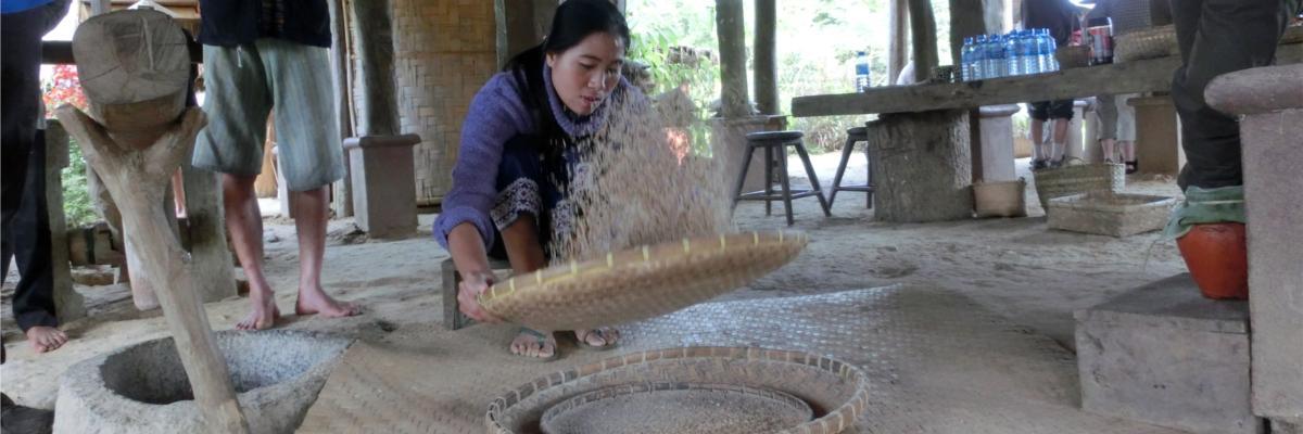 Aussieben des Mehls
