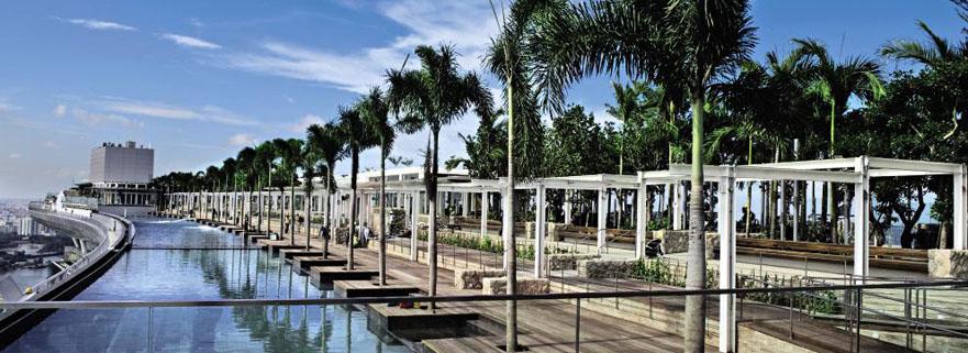 Der Infinity-Pool des Marina Bay Sands in Singapur