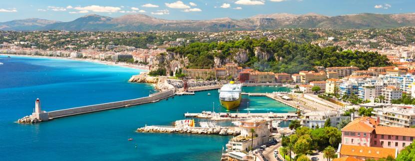 Küstenbeispiel in Nizza