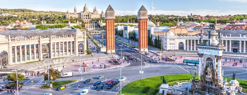 Zu Ostern die Weltstadt Barcelona besuchen. Entdecken sie den Park Güell und die Sagrada Familia
