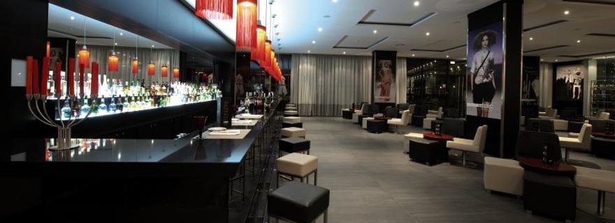 Bar im Vila Galé Lagos