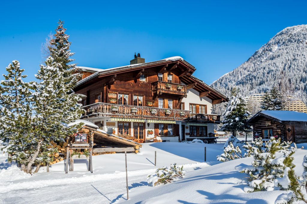 Winter Schweiz Berghütte Berge Urlaub