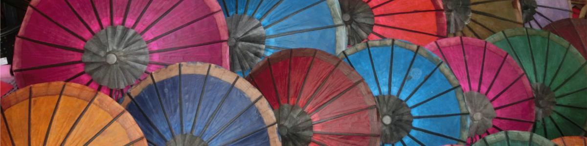 Schirme Laos
