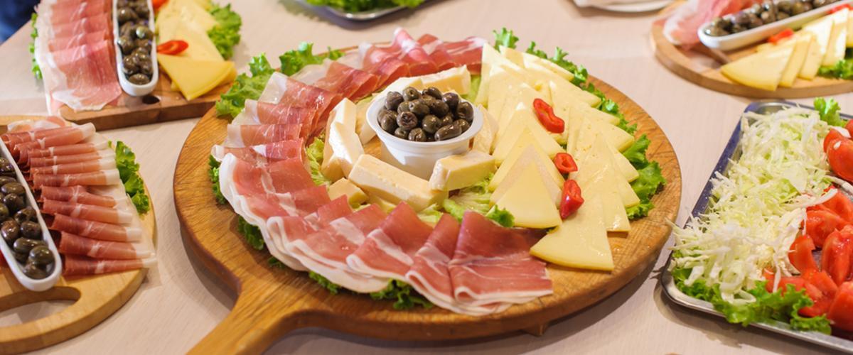 Schinken essen in Montenegro