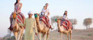 Kameltour durch Wüste von Ras Al Khaimah mit Kindern