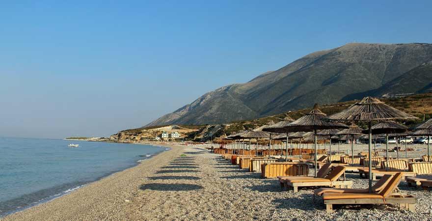 strand dhermi in albanien