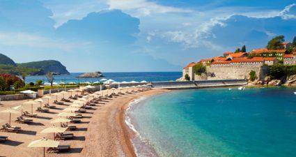 Der Strand von Sveti Stefan