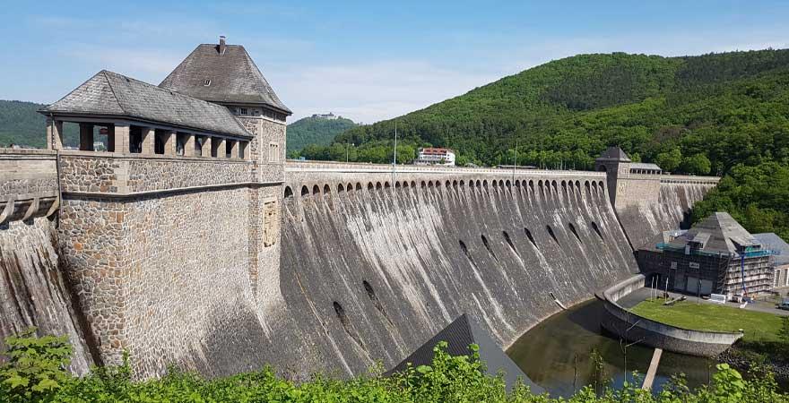 Staudammmauer am Edersee