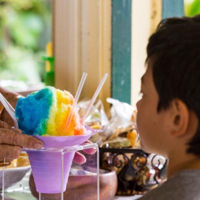 shved ice ist ein beliebtes dessert auf hawaii