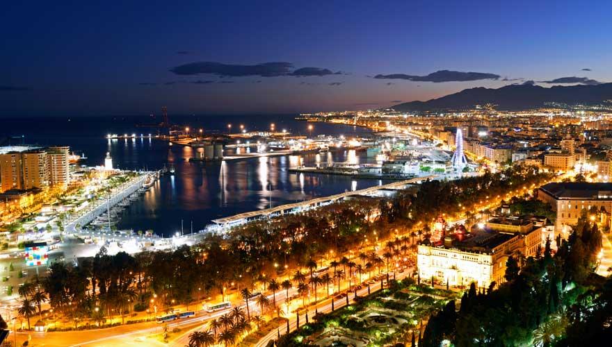 Hafen von malaga bei Nacht