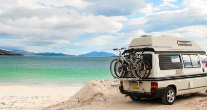 Campingmobil am Strand