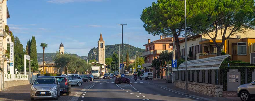 Straßenverkehr am Gardasee