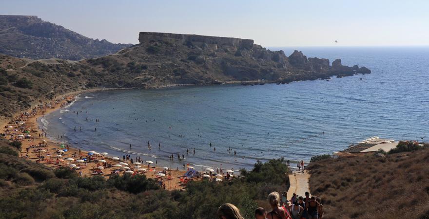 Strand von Ghajn Tuffieha auf Malta