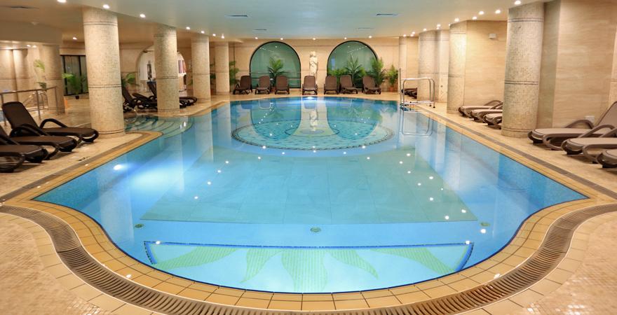 Hallenbad im LABRANDA Premium Resort & Spa auf Malta