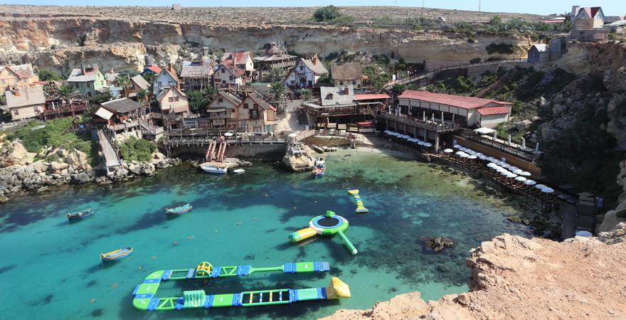 Das kunterbunte Popeye Village auf Malta