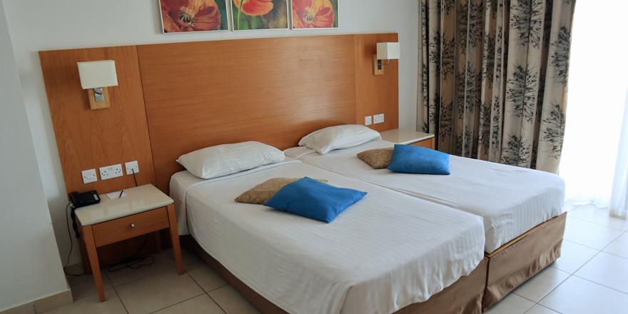 Ein Standardzimmer im Ramla Bay Resort auf Malta