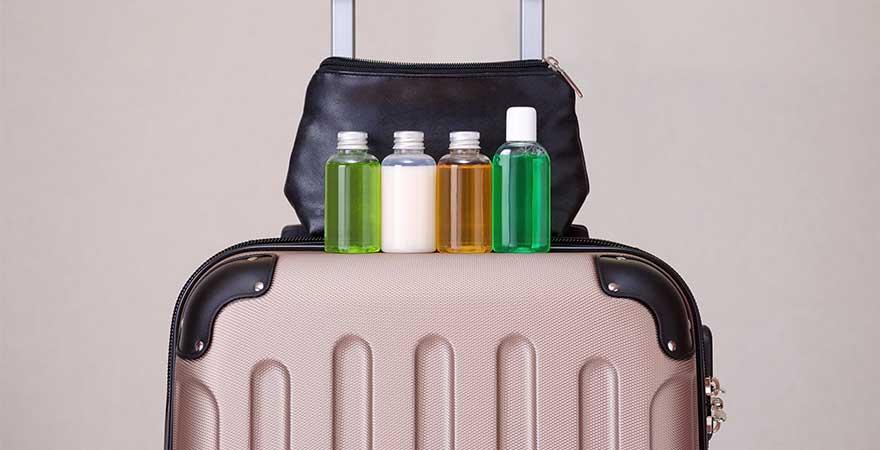 Koffer mit Handgepäck