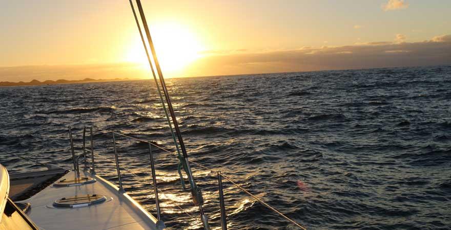 sonnenuntergang katamaran ausflug fuerteventura