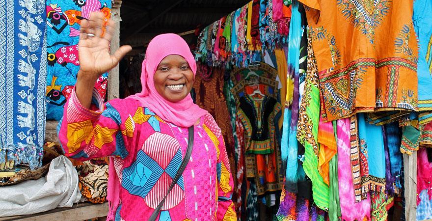 bunter Markt in Gambia