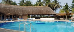 Poolbereich im The Kairaba Beach