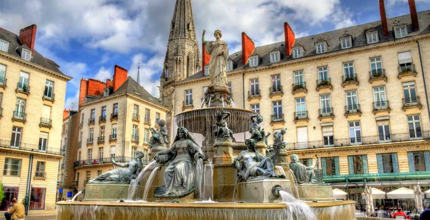 Brunnen am Place Royal in Nantes