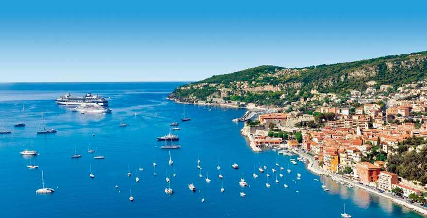 Blick auf die Küste von Nizza