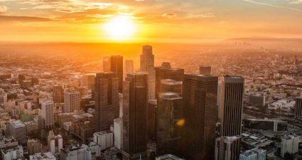 Skyline von Los Angeles bei Sonnenaufgang