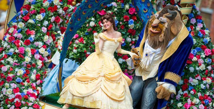 Walt Disney Parade mit die Schöne und das Biest