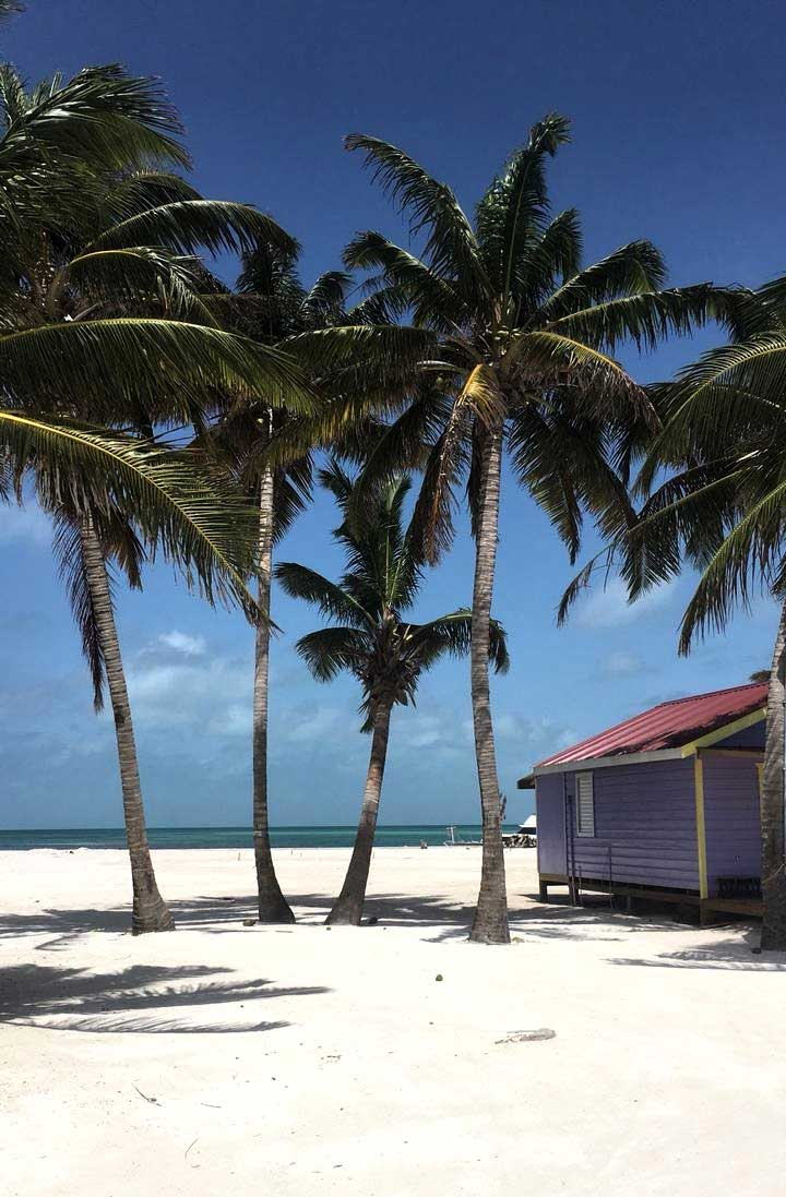 strand caye caulker in belize