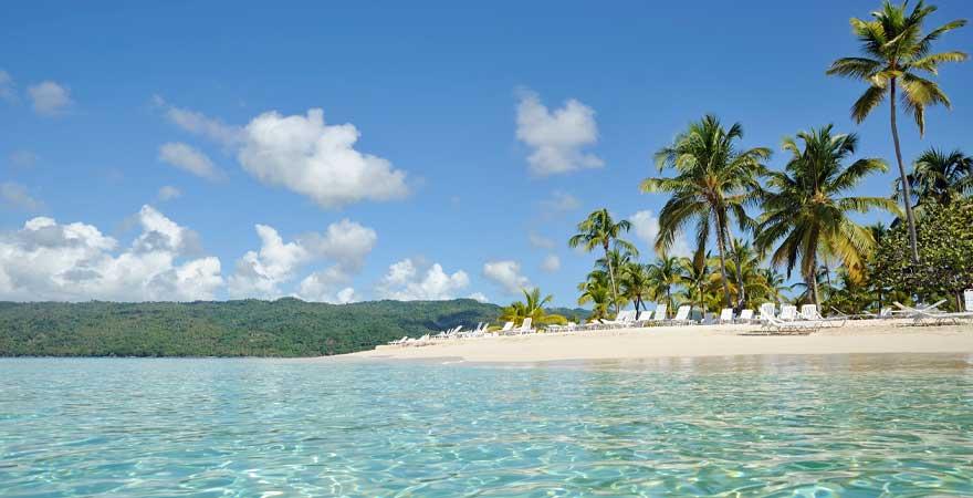 Strand Cayo Levantado in der Dominikanischen Republik