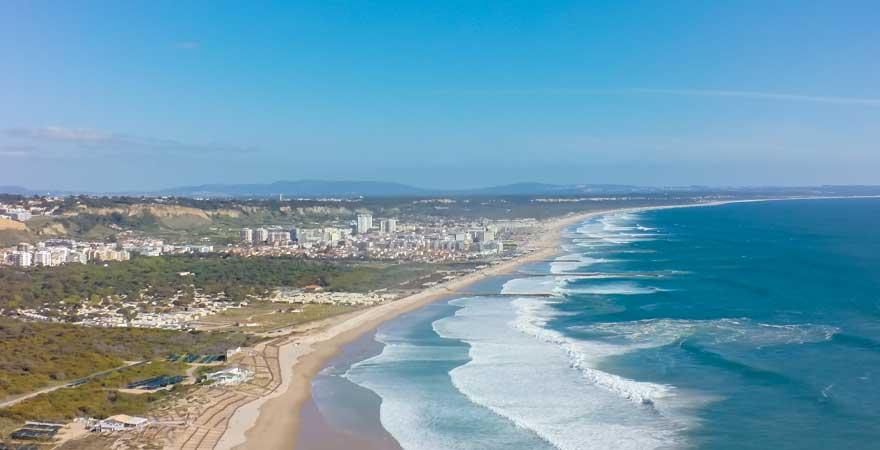 Costa da Caparica strand in lissabon