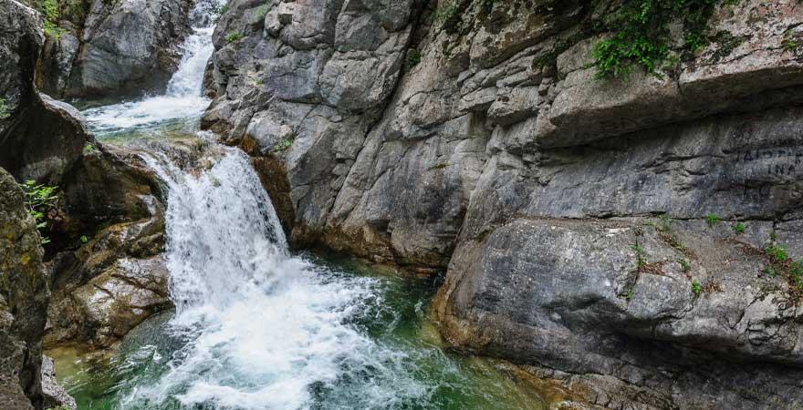 Wasserfall an der olympsichen Riviera