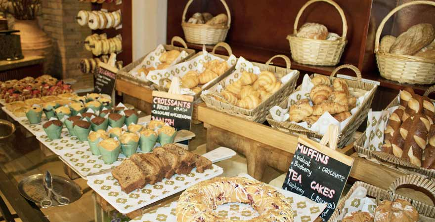 Gebaeck am Buffet im Hotel Bandar in Muscat