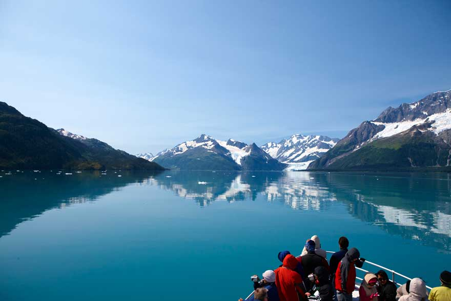 Bootstour auf einem Fjord in Alaska