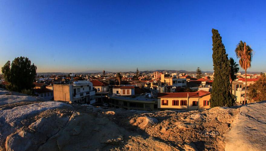 Blick auf Limassol bei Sonnenuntergang