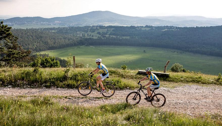 Fahrrad fahren in den Bergen in Slowenien