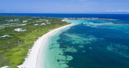 Küste auf Abacos auf den Bahamas