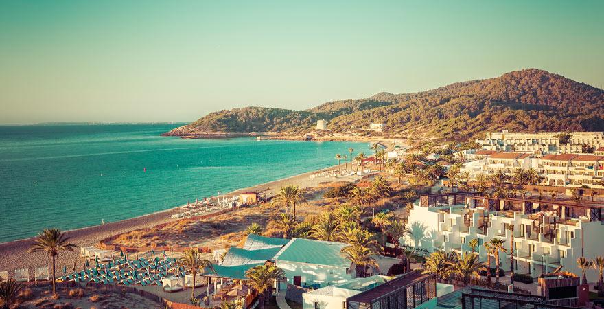 Playa d'en Bossa Strand auf Ibiza
