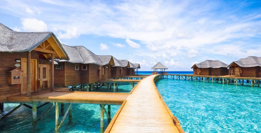 Bungalows auf dem Malediven