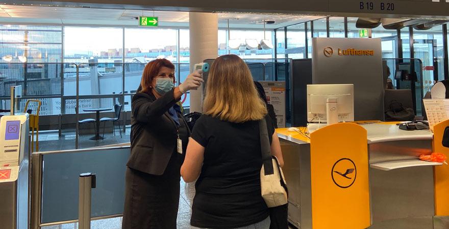 Fiebermessung am Flughafen