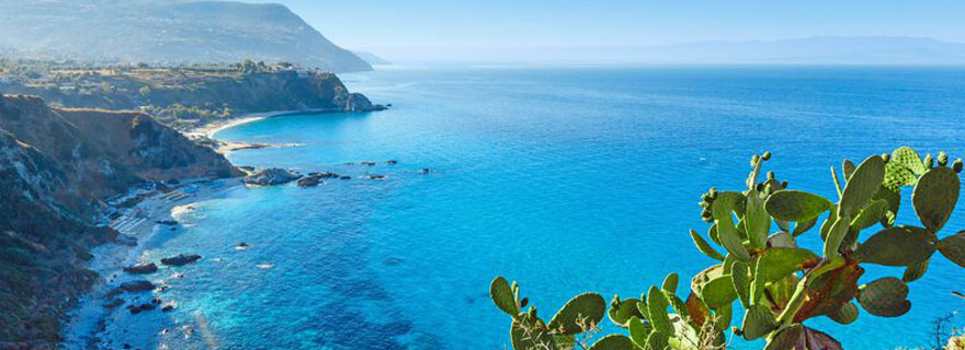Blick auf das Meer in Kalabrien