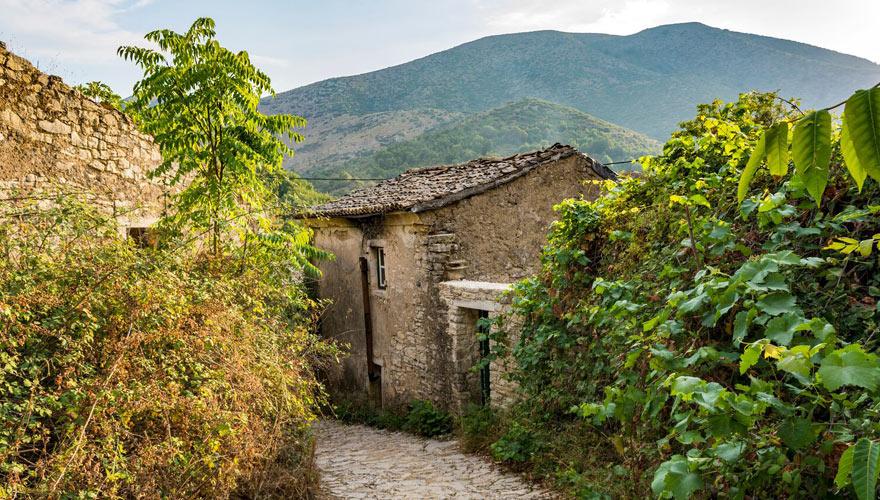 altes Bergdorf auf Korfu