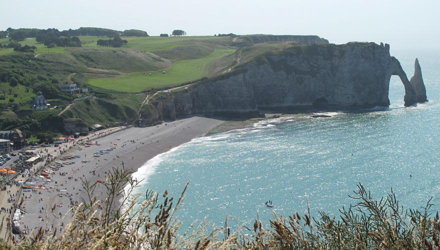 Strand und Felsen in Etretat