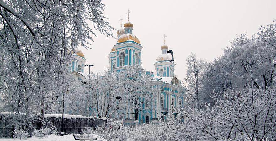 Katehdrale in Sankt Petersburg im Winter