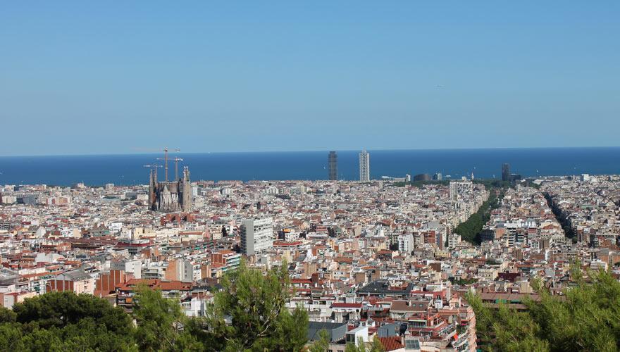 Panoramablick auf Barcelona vom Montjuic