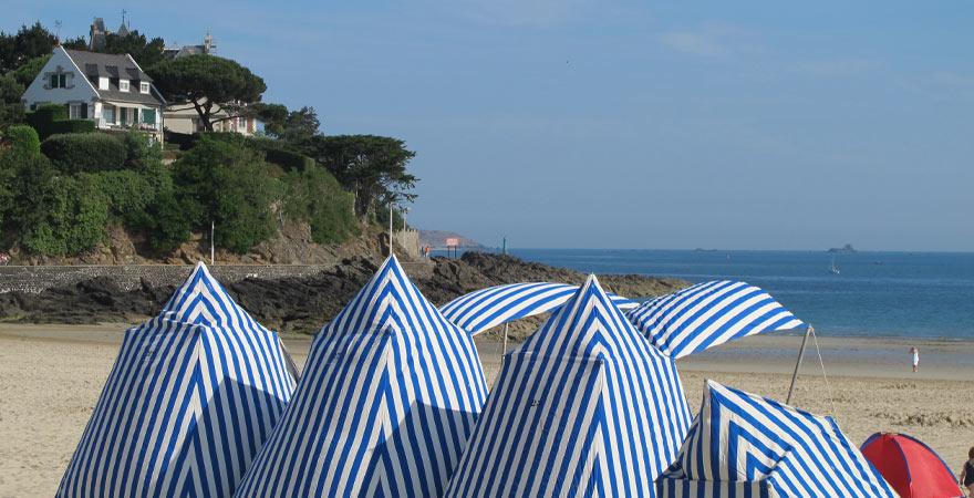 Strand in Dinard in Frankreich