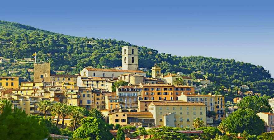 Die Altstadt von Grasse liegt auf einem Hügel