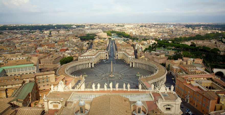 Petersplatz von oben im Vatikan