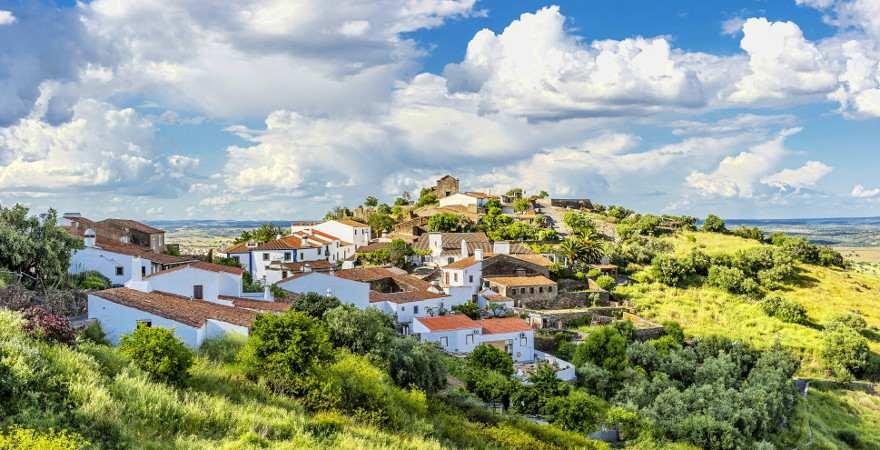 Das idyllisch gelegen Dorf Monsaraz in Portugal