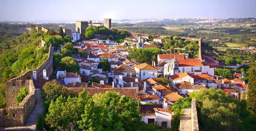Blick von oben auf Obidos in Portugal